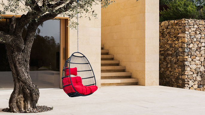 Outdoor Furniture Trends 2020: Patio Swing Chairs